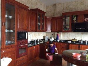 Tủ bếp gỗ gõ đỏ 14