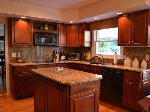 Tủ bếp gỗ Xoan đào 12