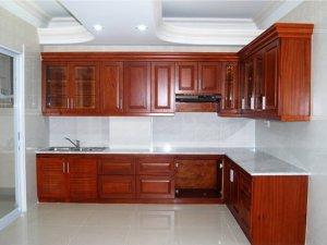 Tủ bếp gỗ Căm xe 1
